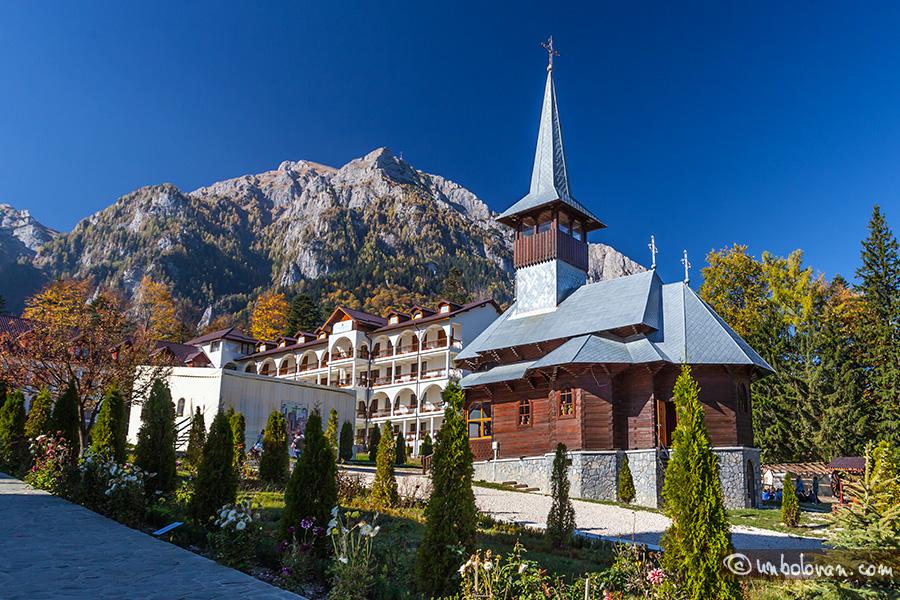 Popas la Mănăstirea Caraiman