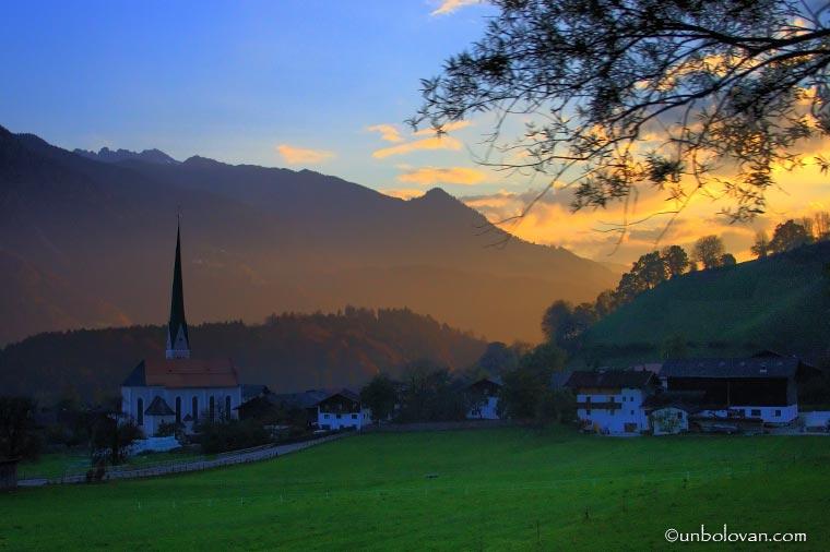 CERURI, tot Austria in octombrie.