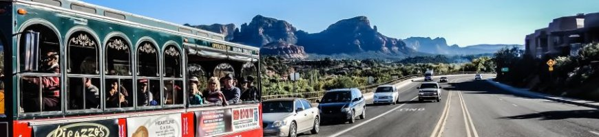 tourists-taking-a-ride-in-sedona-arizona