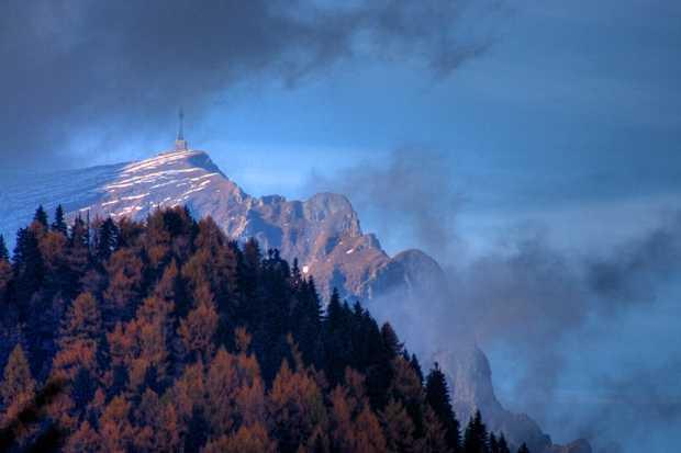 bucegi toamna cer nori cruce monumentul eroilor