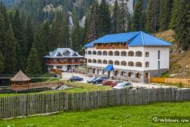 manastirea-pestera04